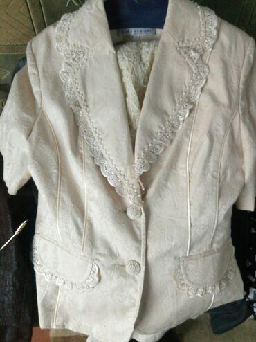 Женская одежда - Кок-Ой: Срочно продаю ! Женский костюм четвертка -кофта,юбкабрюки и педжак