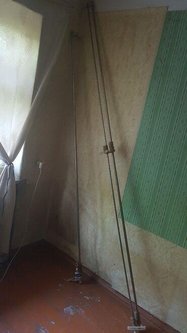 Карнизы. 1ый - 2,4 метра (100 сом), 2ой - двойной, 2,8 метра (250 сом)