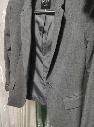 Продаю пиджак. Серый цвет. Размер S