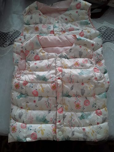 детские вязанные жилетки в Кыргызстан: Продаю детские жилетки для девочек размеры 110 120 . Взрослые женск