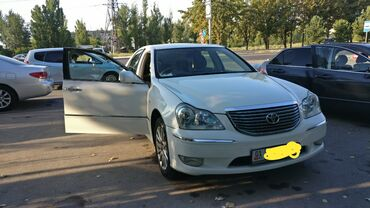 Toyota Crown 4.3 л. 2004