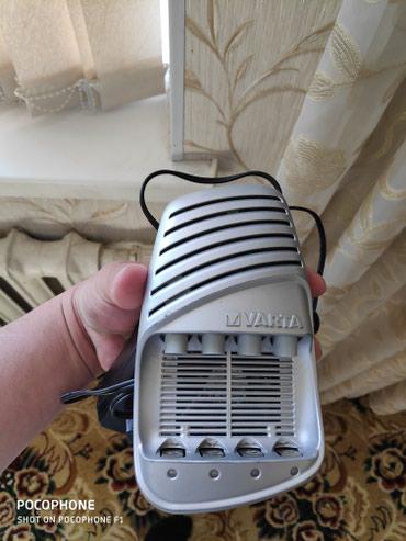 Зарядник для пальчиковых аккумуляторов. в отличном состоянии. в Кант