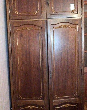 деревянная спальня в Азербайджан: Ruminya istehsalı dolab 100 azn.Hündürlük 2,30 sm,uzunluq 1,20