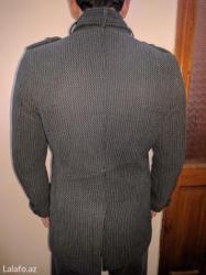 Bakı şəhərində Pol palto satilir. Bedene oturandi. 90 manata almişdim. Yaxsi