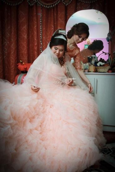 Продаю илне обычное шикарное платье в Бишкек