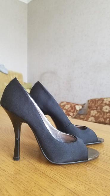 продам очень дёшево в Кыргызстан: Женские туфли 35