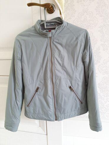 легковой прицеп грузоподъемность 1000 кг в Кыргызстан: Продаю куртку деми.Утепленная.Очень качественный подклад.Качество