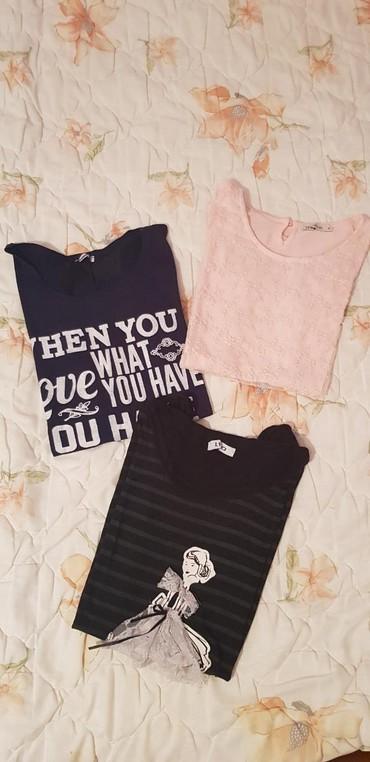 Majica sl sa - Srbija: Majice M veličine. Baby roza majica 800 dinara.Crna ispod nje 200