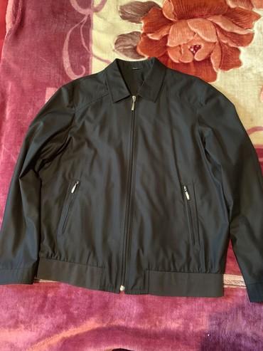 Мужские куртки в Кыргызстан: Фирменноя куртка мужская Турция сидит шикарно брали за 9000тысяч