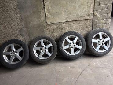 шина 19565r15 в Кыргызстан: Продаю шины вместе с дисками от Passat B4  2 летних 2 зимних Размер 2