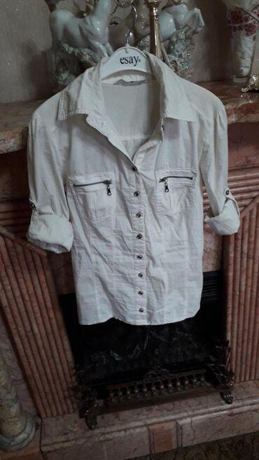 Не стандартная рубашечка, состояние отличное, размер 38