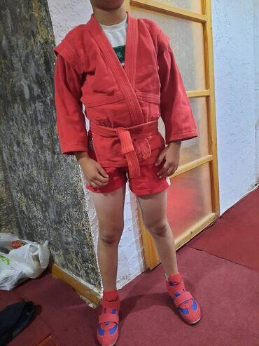 гантели декатлон в Кыргызстан: Декатлон самбийская форма р125-128 на 3,4 класс, обувь 31 продаем как