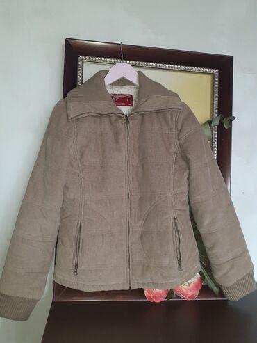 Продаю вельветовую куртку зима-осеньОчень теплая,на манжете. Состояние
