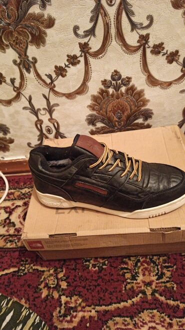 Мужская обувь - Джал: Кроссовки и спортивная обувь