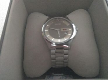 Продаю часы GUCCI