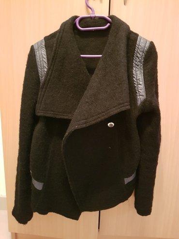Prelepa zimska jaknica placena 4000din nova nova bez ostecenja prelepa - Paracin