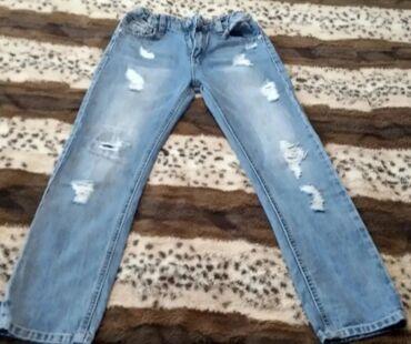 Детские рваные джинсы,в хорошем состоянии. Цена 600 сом
