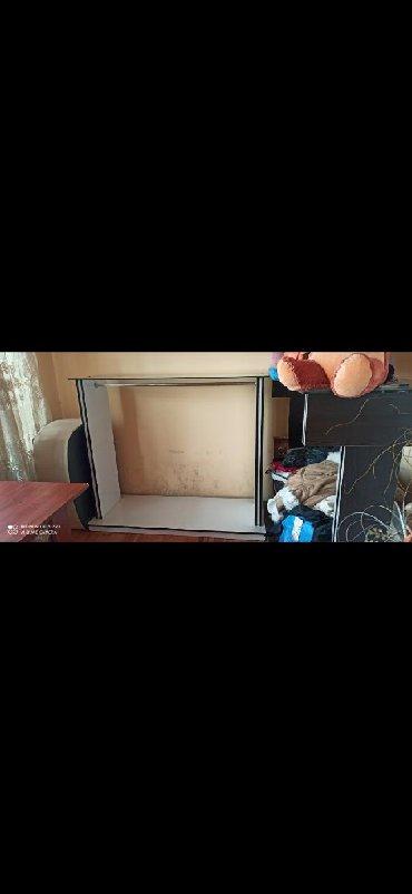 konteynerdən mağaza - Azərbaycan: Paltar vitrini.Magaza bağlandığı üçün satılır.220azn