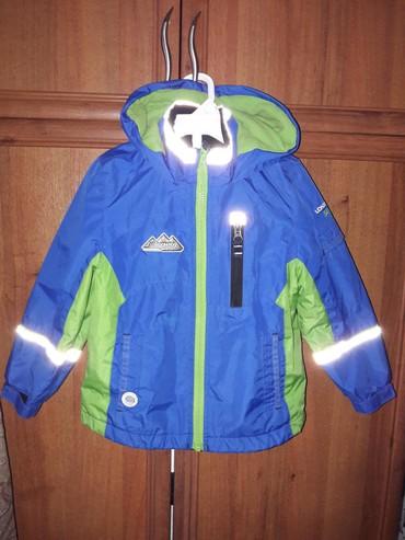 Куртка осень-весна на 4 года. Со штатов. Состояние идеальное