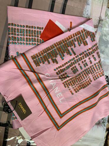 Шелковые платки. Chanel. Размер 1м*1м.  Очень красивый платок. Упакова