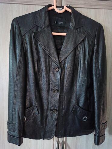Продаю женский кожаный пиджак в отличном состоянии размер 48-50