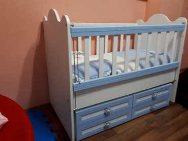 детская одежда 2 года в Азербайджан: Срочно продаю очень удобную, многофункциональную детскую кроватку