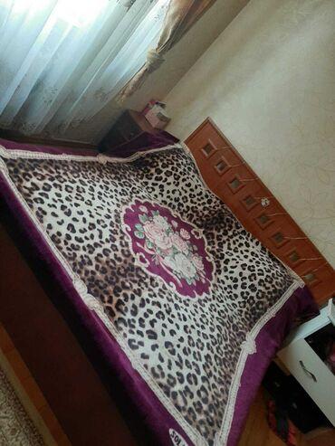 Продается кровать размер 220 на 180 большая,двухместная могут 3