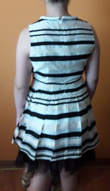 Ženska odeća | Vrsac: Haljina dva puta obucena. Til moze da se skine. Usiven je na postavi