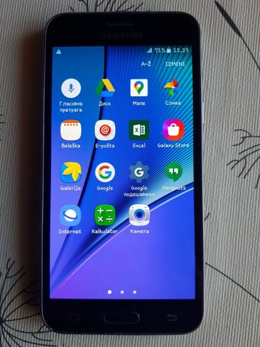 Samsung x500 - Srbija: Samsung Galaxy J3 2016 Duos - Telefon je u fenomenalnom stanju Ekran