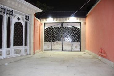 Xırdalan şəhərində Satış Evlər : 200 kv. m., 5 otaqlı