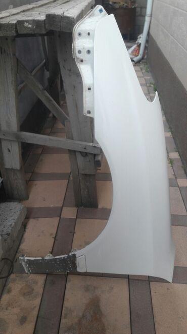 Автозапчасти и аксессуары - Джал мкр (в т.ч. Верхний, Нижний, Средний): Крыло левое переднее (оригинал) на Лексус ЕС 300-330 или на Виндом 6г