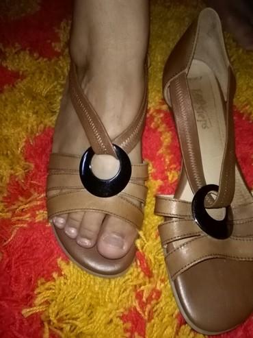 Sandale jednom nosene,meni velike,39broj prelepo stoje I udobne - Sombor