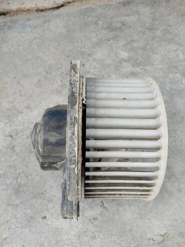 Моторчик печки на Тойота Сюрф 185 кузов 2001 г