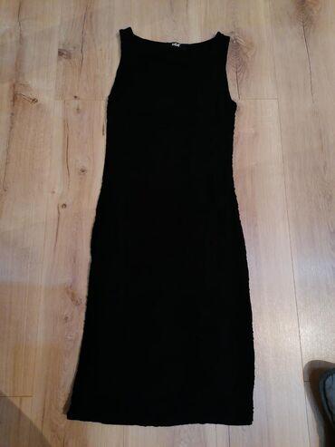 Crna rastegljiva haljina, S veličina