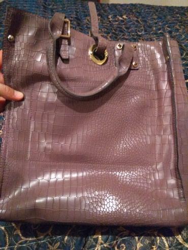 Продаю женскую сумку. очень вместительная и удобная. качество супер. в Бишкек