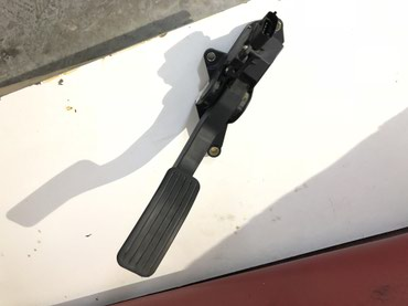- Azərbaycan: Daewoo gentra qaz pedali satilir. Injektorun ishigi yanirdi. Agilli