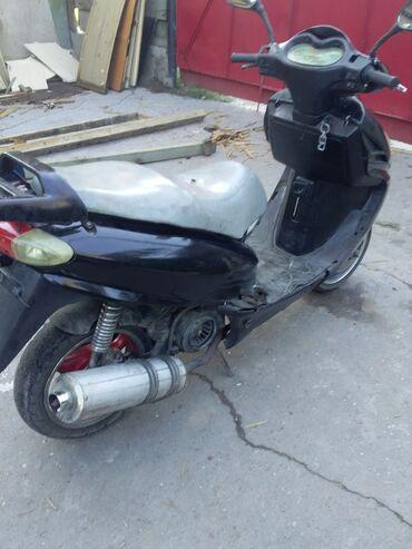 Мотоциклы и мопеды - Кок-Ой: Скутер на ходу продаю срочна звонить расскажу всю штоинтирисует прошу