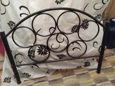 Κρεβάτι σιδερένιο μαύρο καινούργιο 118 επί 2 μέτρα με τις ταβλες του