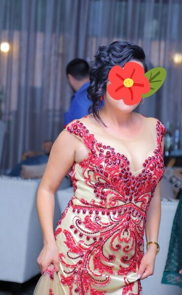 вечернее платье в горошек в Кыргызстан: Вечернее платье размер 44 -46