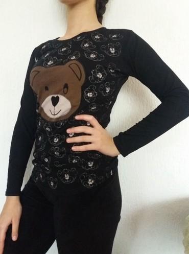Pamucna zenska bluzica sa medvedicima, u crnoj boji, bez ostecenja. O - Kraljevo
