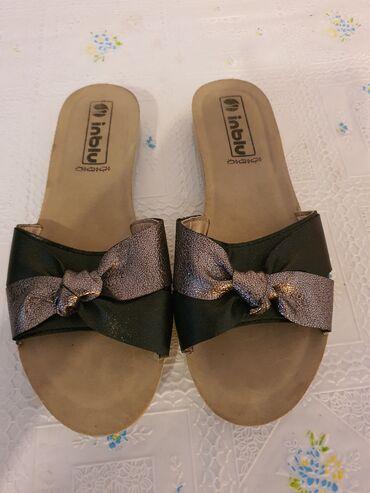 Zenske papuce broj38