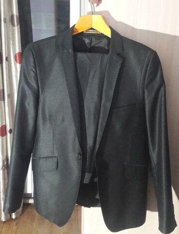 Мужская одежда - Кыргызстан: Продаю костюм в отличном состоянии. Носил всего два раза. Штаны и пидж