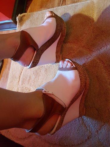 Продам босоножки 37 размера,каблук в Лебединовка