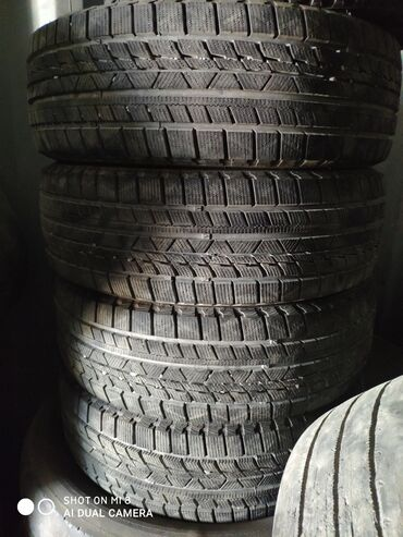 225 65 17 зимние шины в Кыргызстан: Зимние колеса,липучки.новые пару недель покатались.на рав4покупали