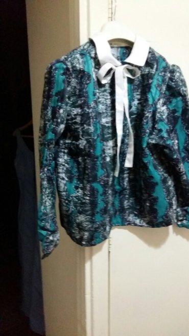 Новая блузка шелковая , с вышивкой по в Бишкек
