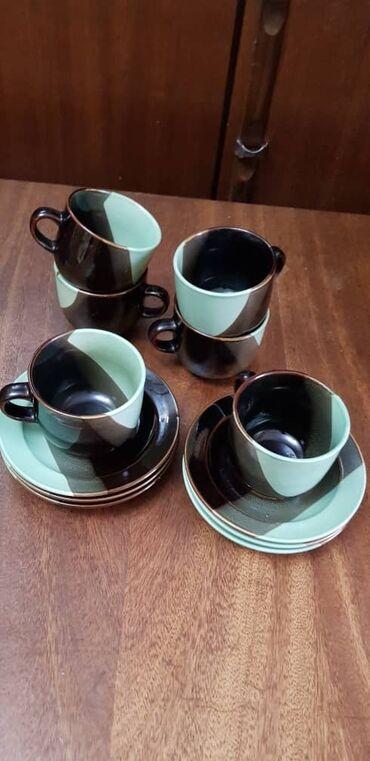 Продаётся фарфоровый чайный сервис в хорошем состоянии.6 чашек 6