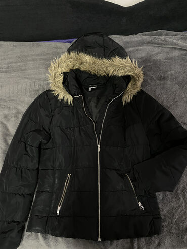 Pringle zenski kratki kaput - Srbija: Dve zenske zimske jakne po ceni jedne-kao noveKratka-40 velicina(