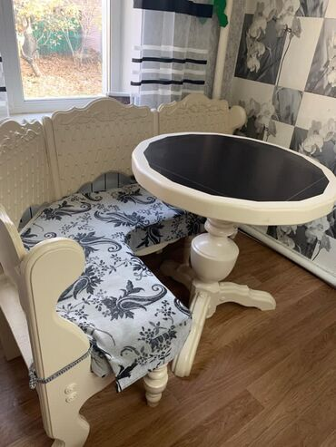 stol kuhannyj в Кыргызстан: Продаётся кухонный диван уголок размер 0,9х1,15 м из натурального
