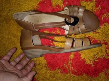 Sandale jednom nosene,meni velike,39broj prelepo stoje I udobne - Sombor - slika 4