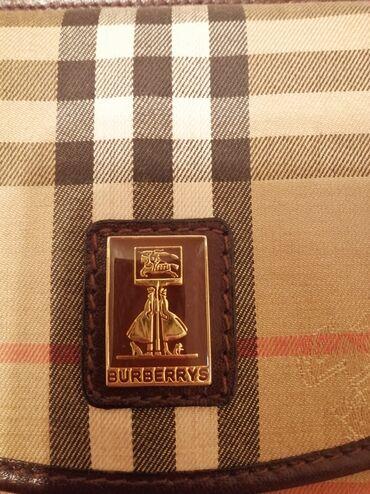 Original marks anspencer majica - Srbija: Original BURBERRY torbica. Jako malo korišćena, u odličnom stanju